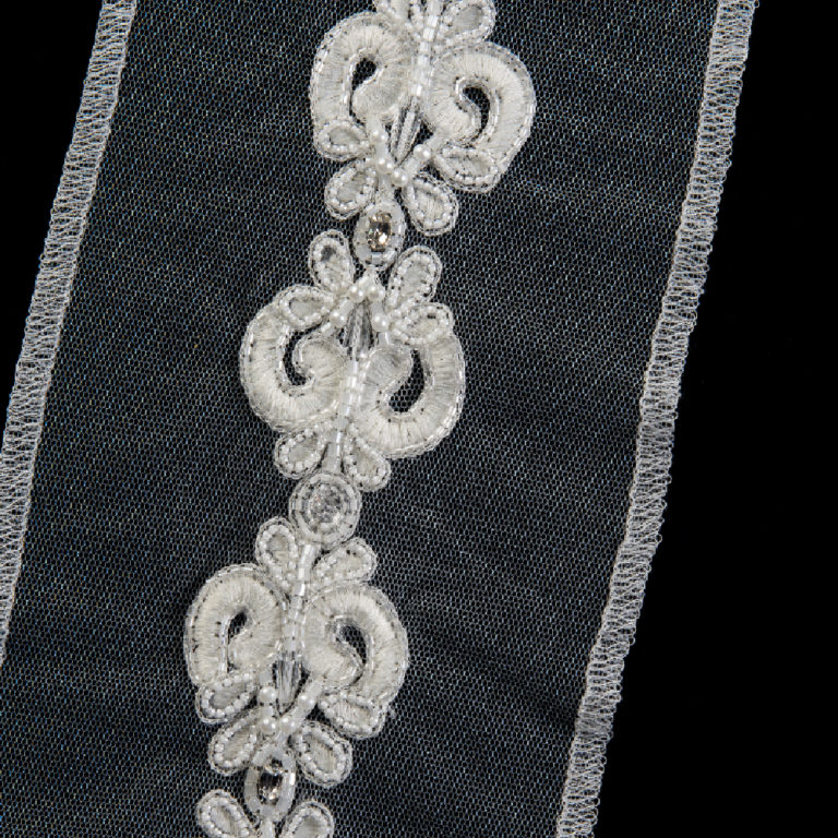 wedding-accessories-2018-borders-or-trims-vintage-scroll