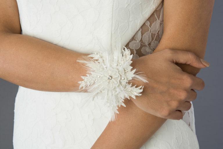 wedding-accessories-2018-bracelet-feather-flower