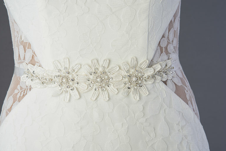 wedding-accessories-2018-sash-and-belts-white-daisy