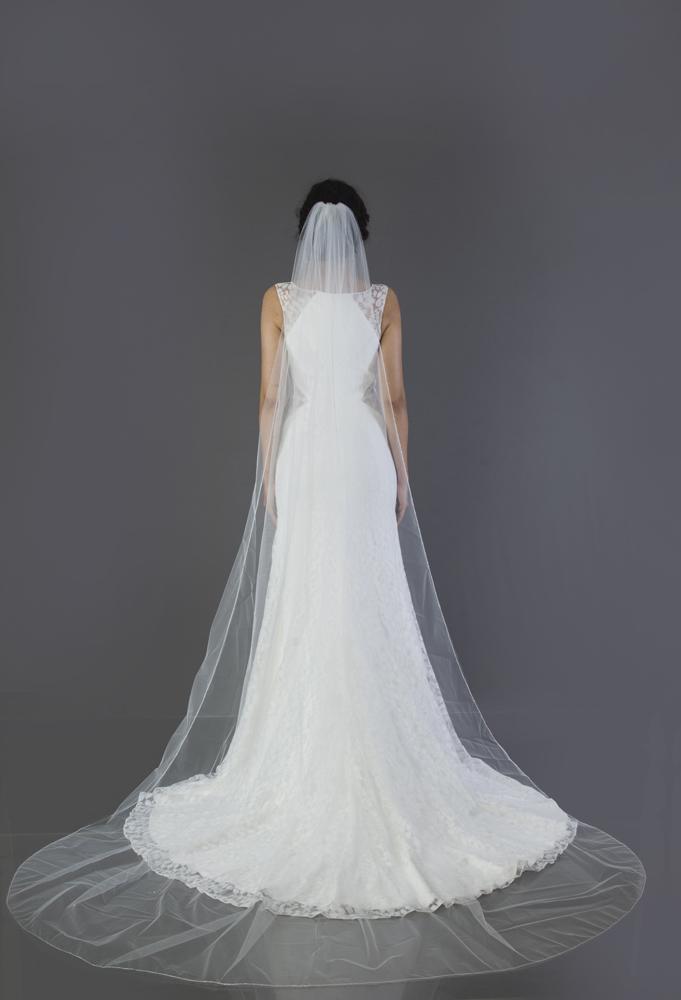 wedding-accessories-2018-veil-sugar-cube-chapel